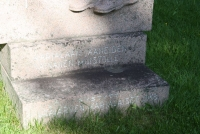2011 669